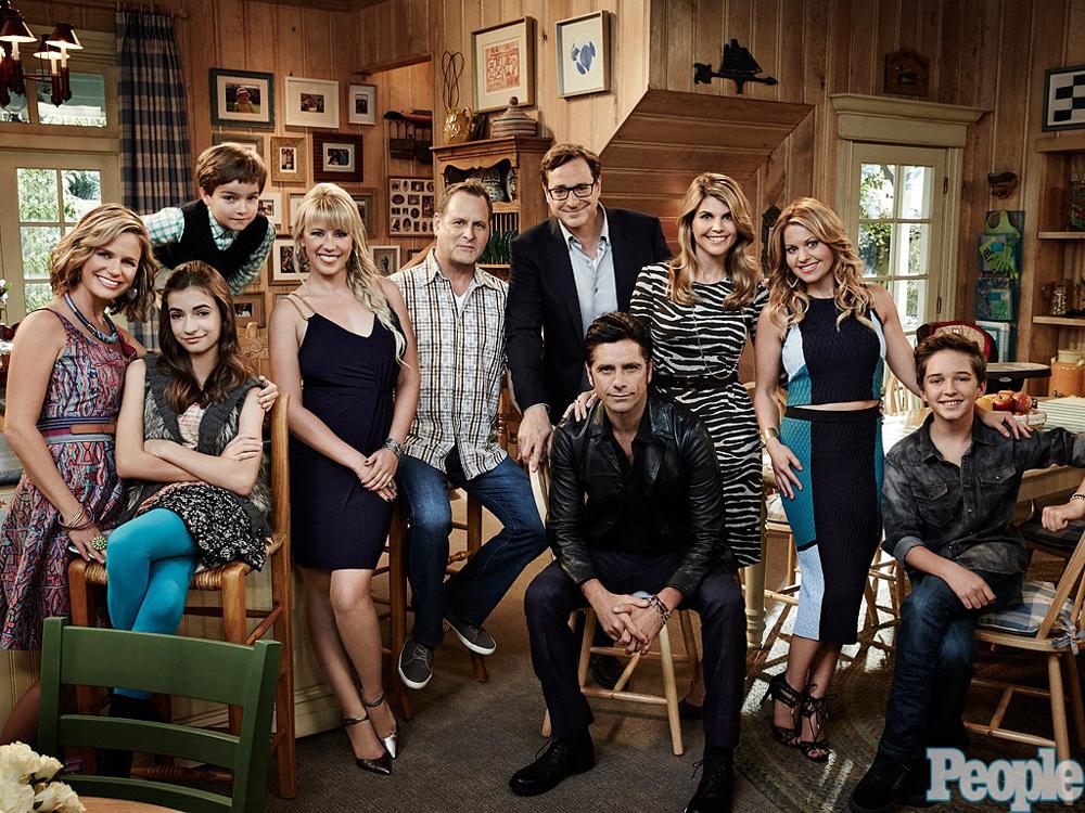 Une belle photo de famille. Dommage que les soeurs Olsen ne soient pas présentes.