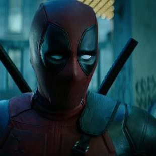 Ryan Reynolds tease Deadpool 2 et se moque de Dc Comics…