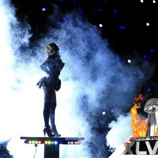 [Super Bowl 2013] Beyonce met le feu sur scène !!!