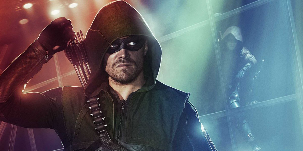Arrow monte sur le ring de la WWE